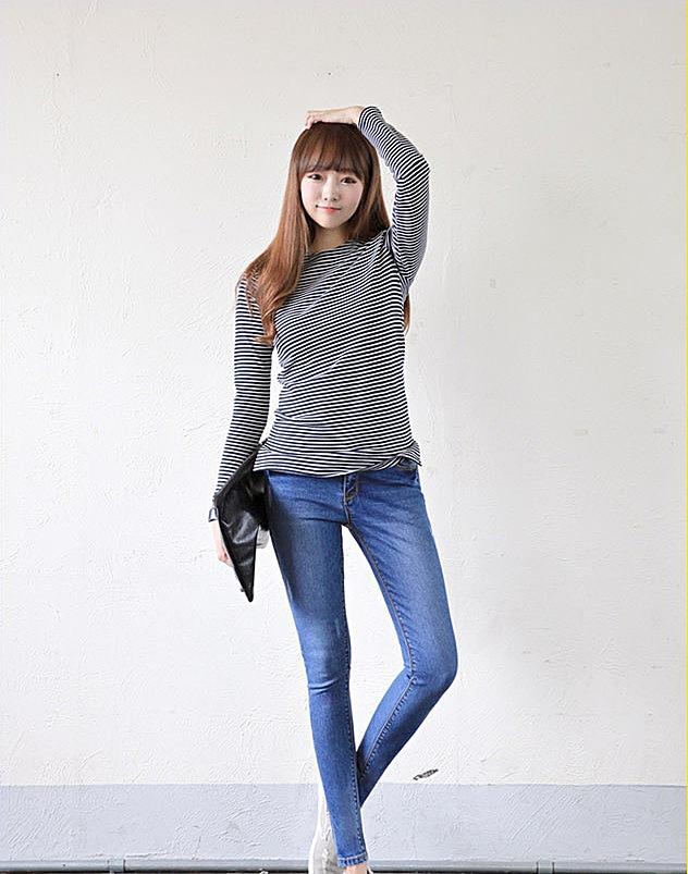 bd64dadc558 Голубые зауженные женские джинсы заказать по низкой цене - 2240 ...