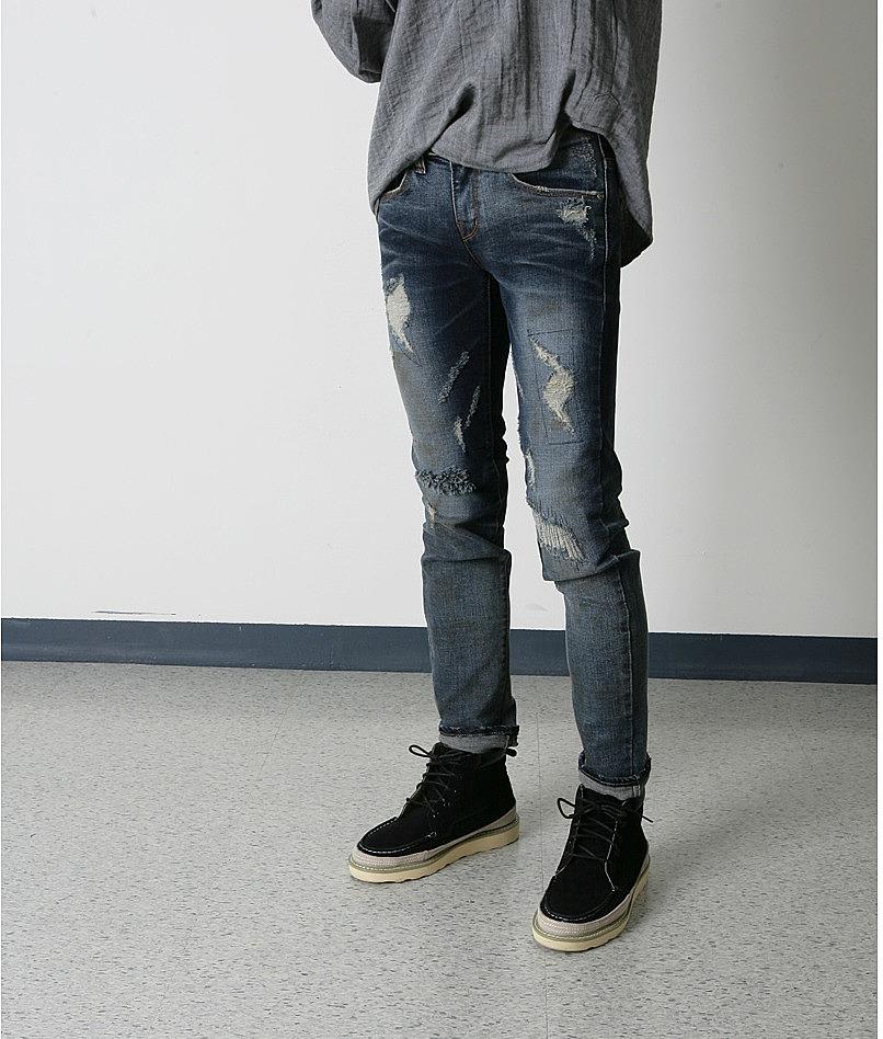 ab2364b7145 Темно-синие джинсы с порванными коленками купить по цене 4900 рублей ...