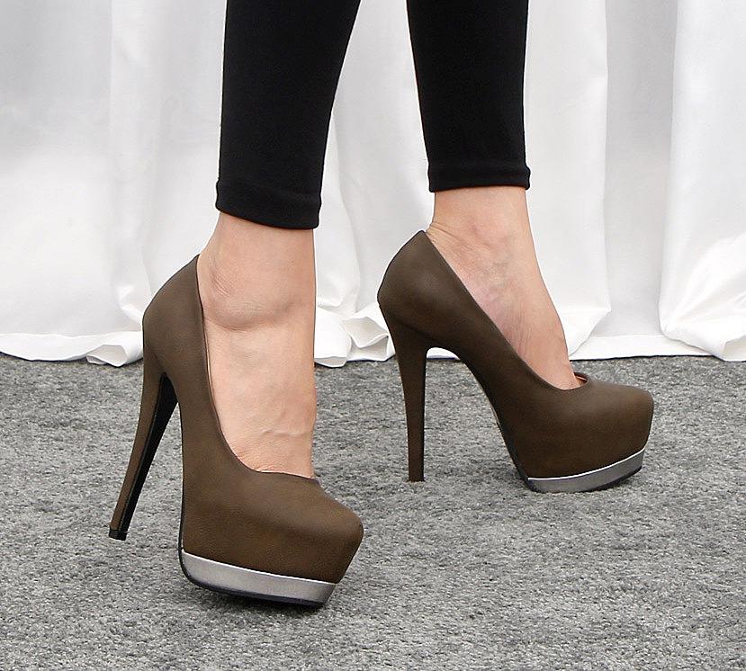 Туфли на высокой шпильке с серебряной платформой. интернет магазин ... 6853154ec96