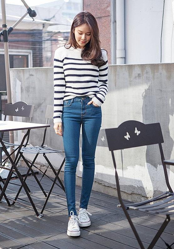 b0c03a87512 Узкие джинсы с высокой талией заказать по низкой цене - 2380 рублей ...