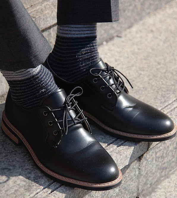 afe7c23ee554 Классические мужские туфли. стильные мужские туфли подчеркнут ...