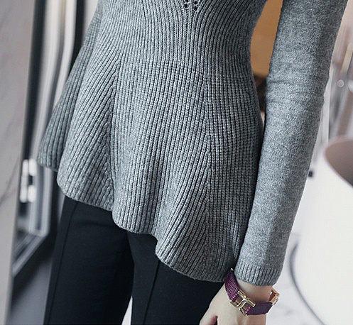приталенный свитер спицами схема