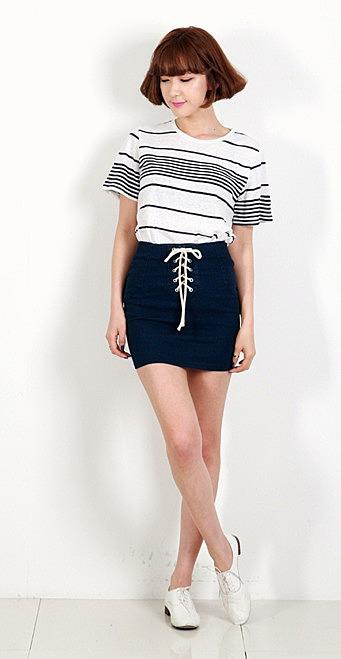 d0e3105d59e Короткая джинсовая юбка с нарядной шнуровкой. недорогие женские ...