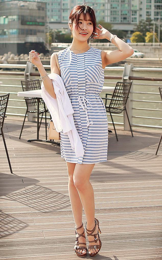ae370df54e9 Летнее платье без рукавов в морских тонах - новая модель летнего ...