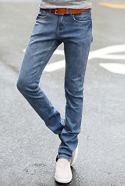 Классические голубые джинсы. покупайте недорого зауженные женские ... f91c86f3cda
