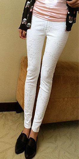 6ee8a3a0645 Зауженные джинсы с кружевным принтом заказать по низкой цене - 2240 ...