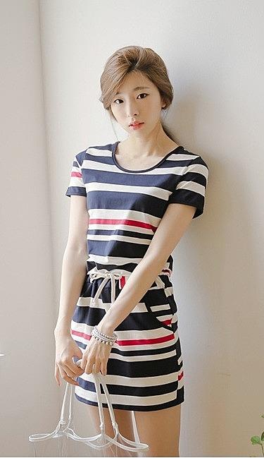 adb8e80c3e1 Платье в горизонтальную полоску купить в цвете чёрный полосатый ...