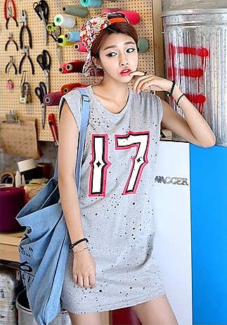 879088a202cc7 Новые стили женских футболок: свободные, длинные, с яркими рисунками