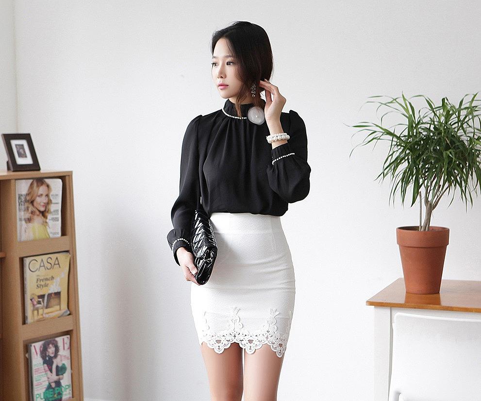 Короткие юбки с кружевами